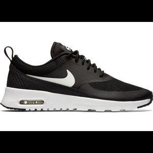 Nike air Thea shoes 7.5
